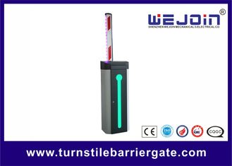 चीन Automatic Car Park Barrier Gate with Protective Rubber and LED Traffic Light Boom फैक्टरी